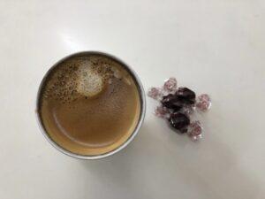 ゆる糖質制限のおやつ、低糖質チョコレートとコーヒー