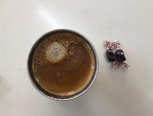 ゆる糖質制限おやつ、低糖質チョコレートとコーヒー